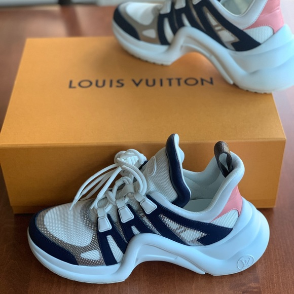 732898677df Louis Vuitton 2018 Archlight Sneakers Size 39